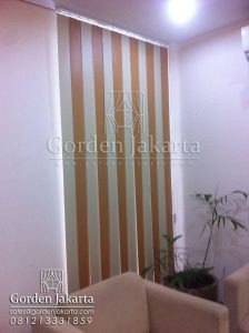 Vertical Blinds Blackout Kombinasi Warna Brown dan Cream