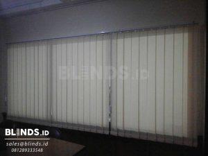 produksi vertical blinds dimout Sp8010 -3 beige di Tangerang Q3487