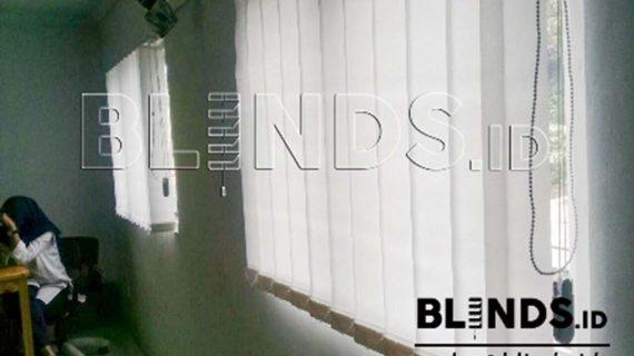Produksi Vertical Blinds Dimout Warna Putih Di Jatiwarna Bekasi