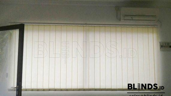 Contoh Gambar Vertical Blinds Cream Pondok Gede