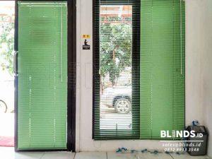 Contoh Venetian Blinds Deluxe Slatting 25 mm Sp. 057 Q3695