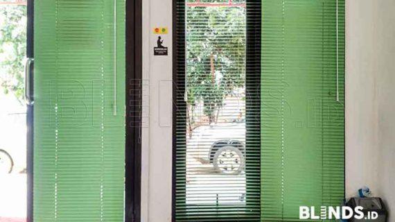 Contoh Venetian Blinds Warna Hijau Di Cawang