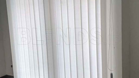 Contoh Tirai Kantor Vertical Di Fatmawati