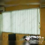 Vertical Blinds Bahan Dimout Silk Grey Di Koja