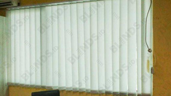 Vertical Blinds Bahan Dimout Silk Grey Di Koja