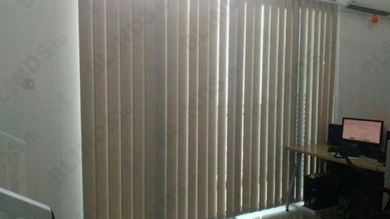 Vertical Blinds Dimout Seri 505 Beige Jakarta Barat