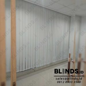 Jual Vertical Blinds Blackout Sp 200-2 Beige Pasang Di Warung Jati Q4039