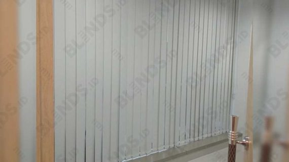Jual Vertical Blinds Blackout Di Gedung Aldeoz Warung Jati