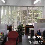 Warna Grey Vertical Blinds Seri 80 Di Gedung Bangun Tjipta Slipi