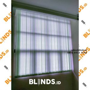 vertical blinds dim out 127 mm warna hijau di Bekasi id4131