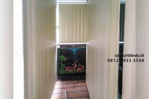 contoh bahan blackout vertical blinds warna beige di Pondok Labu id4319