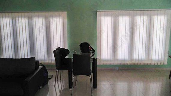 Contoh Tirai Jendela Vertikal Dimout Pondok Kacang Tangerang