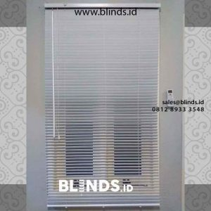 jual wooden blinds warna putih di ciganjur id4296