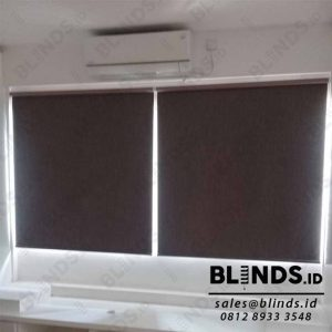 contoh roller blinds blackout super quality warna brown