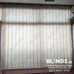 gorden minimalis vertical blinds bahan dimout