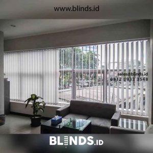 gorden jendela kantor bahan dimout warna grey di Petamburan id2694