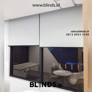 jual roller blinds superior dimout warna grey project di Jendral Sudirman id4537