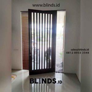 jual venetian blinds wood motive slatting coklat di Tangerang id4390