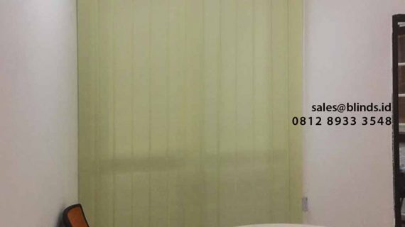 Contoh Vertical Blind Sharp Point Dimout Yellow Pasang Di Cipete Cilandak