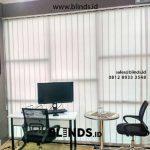 Model Gorden Jendela Kantor Vertical Bahan Dimout Di Cipambuan Sentul Bogor Free Pasang