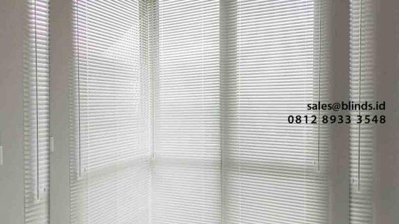 Tirai Venetian Blind Custom Pasang Klien Taman Anggrek, Grogol Petamburan, Jakarta Barat