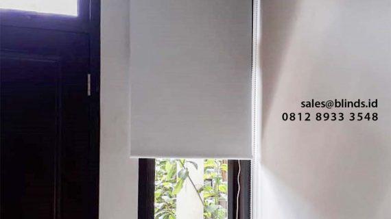 Tirai Roller Blinds Blackout Warna Grey Di Pejaten Pasar Minggu Jakarta