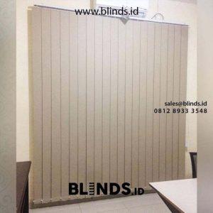 Jendela Cantik Dengan Vertical Blinds Blackout Tidak Tembus Cahaya ID4734