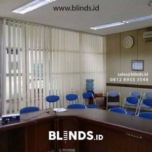 Tirai Vertical Blinds - Mengatasi Silaunya Matahari Dengan Sempurna ID5019