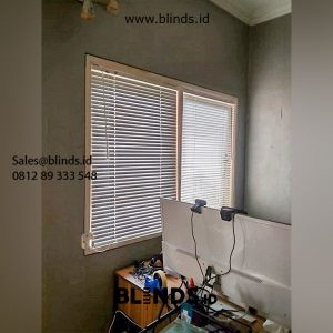 39+ Portofolio Tirai Venetian Blinds Sp 011 Putih id5631