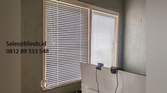 39+ Portofolio Tirai Venetian Blinds Sp 011 Putih