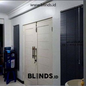Wooden Blinds Warna Hitam Custom Ukuran ID5419