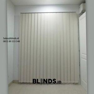 Jual Vertical Blinds Blackout Sp 200-2 Beige Taman Kedoya Baru Residence Kebon Jeruk ID6287