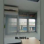 Vertical Blinds Blackout Sp 6045-3 Grey Wanaherang Gunung Putri Bogor