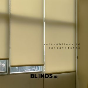 Tirai Roller Blinds Dimout Sp 202-1 Beige Apartemen Sahid Sudirman Residence Tanah Abang Id6677